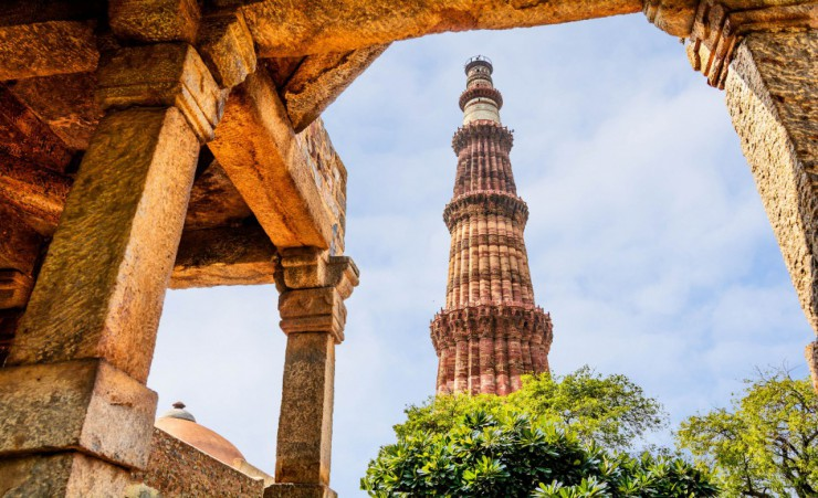 """Qutab Minar Tower"""