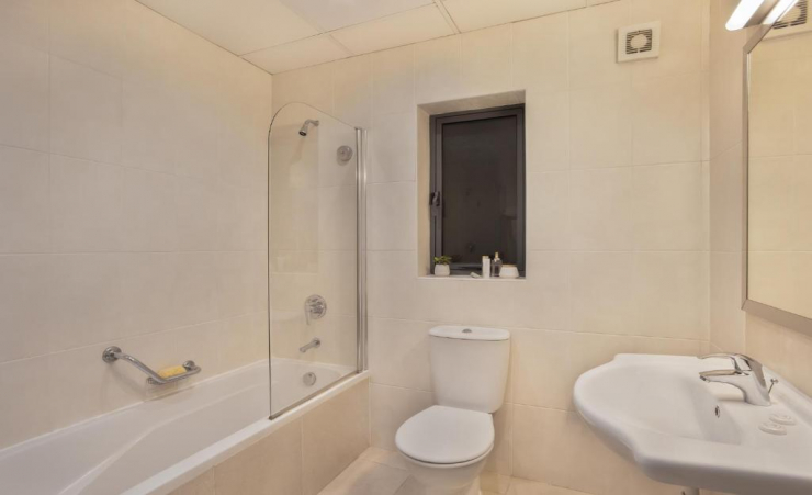 Studio Seaview Bathroom