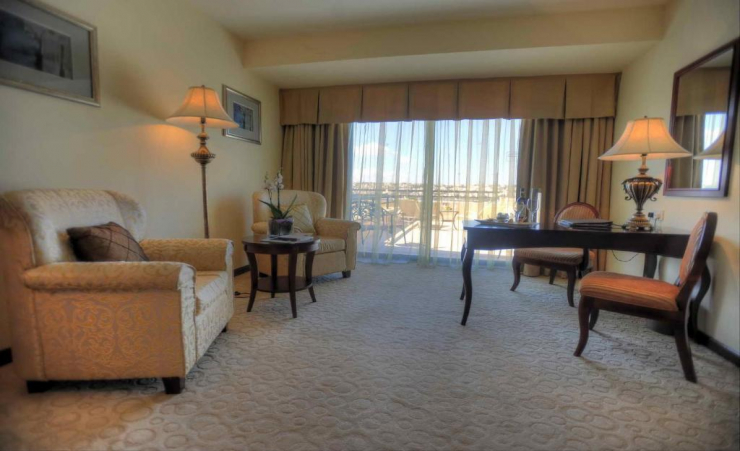 Deluxe Seaview Room Seating Area