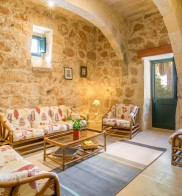 Dar Alessia Farmhouse with Private Pool