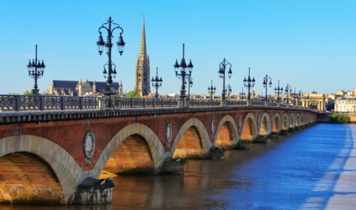 Bordeaux's Chateaux, Rivers & Wine